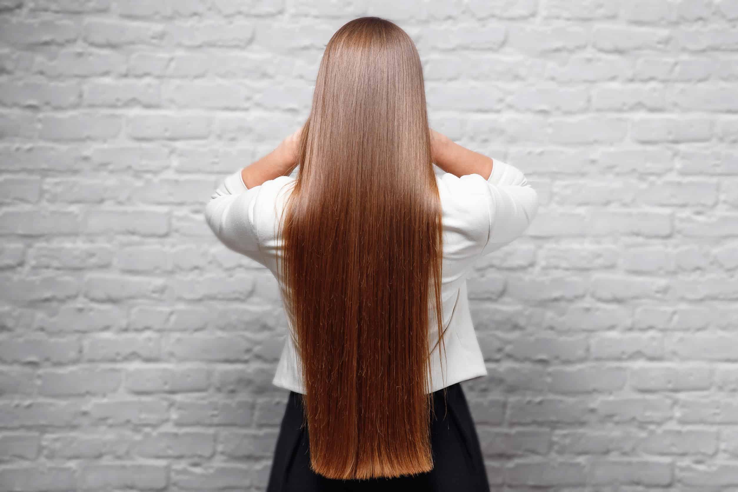 Mujer extensiones de cabello natural 100%, en salon de belleza flor estilista slp