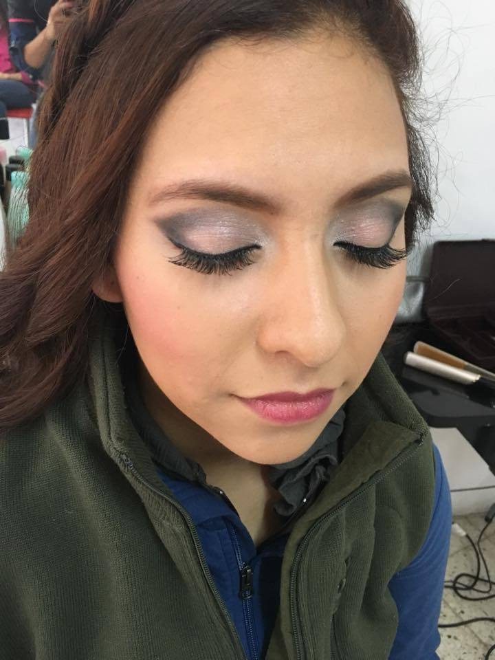 Aplicación de maquillaje en slp, salón forestilista